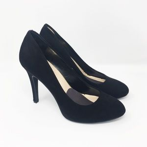 JESSICA SIMPSON black suede pumps rounded toe